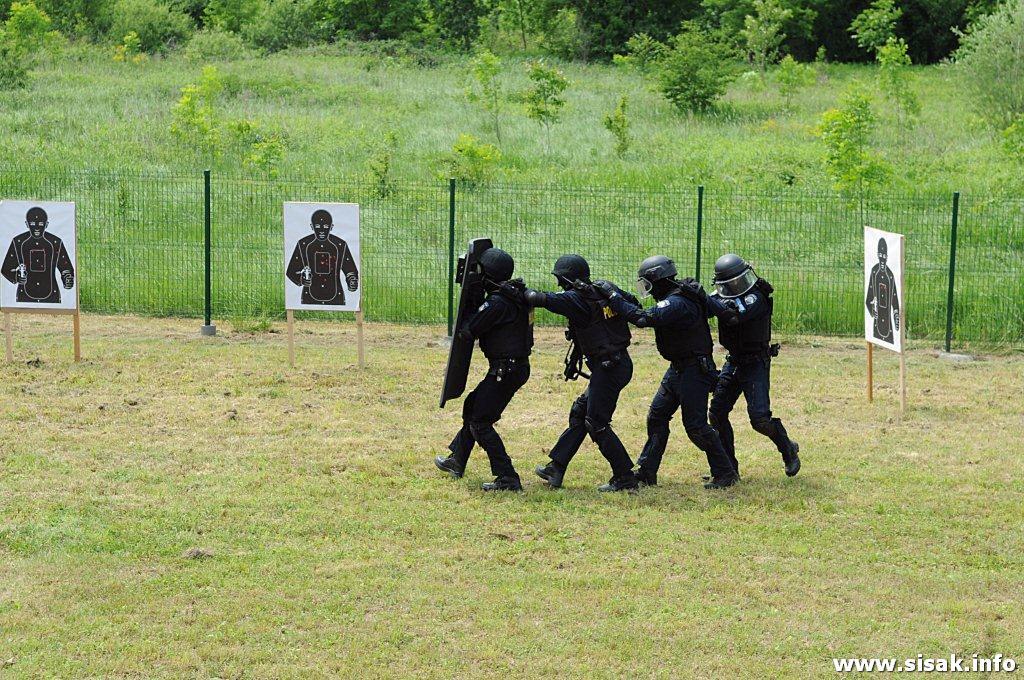 sajam-militarije-sisak-12_31
