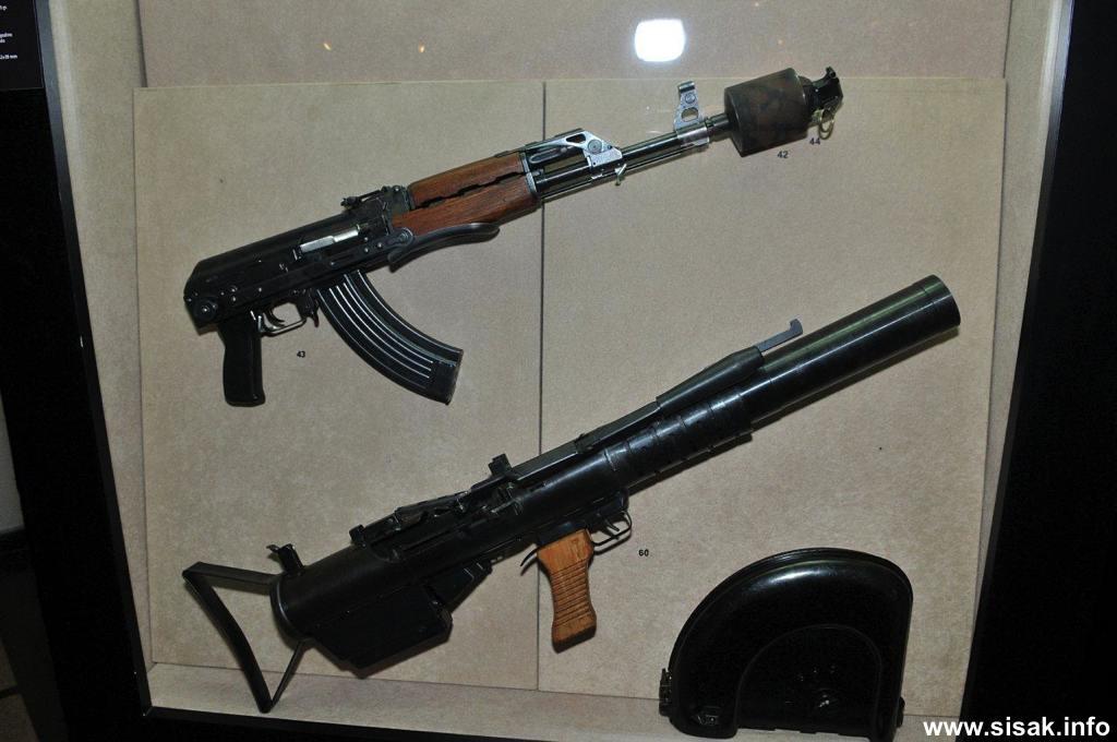 izlozba-oruzja-sisak-13_19