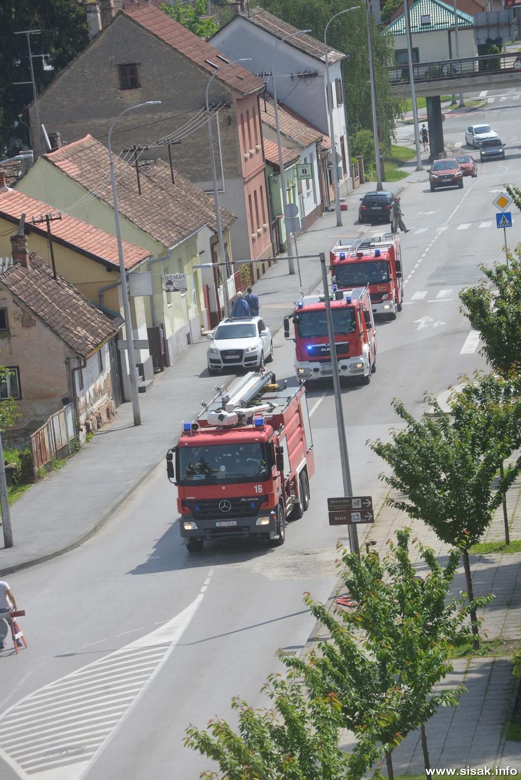vatrogasna-vjezba-sisak_19_12