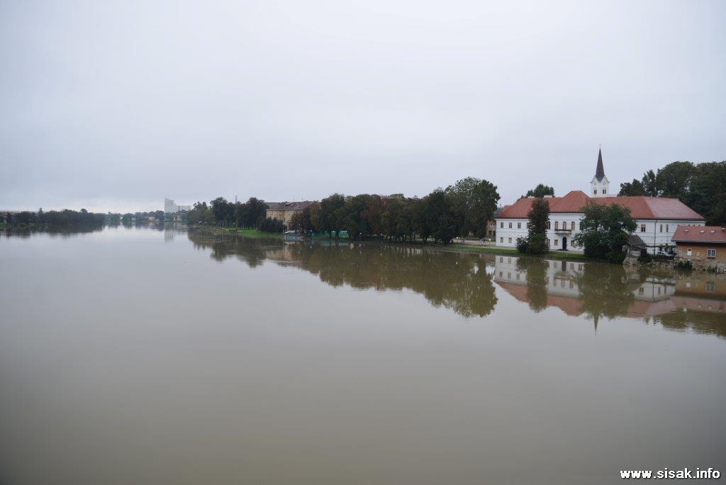 visok-vodostaj-sisak-14-04