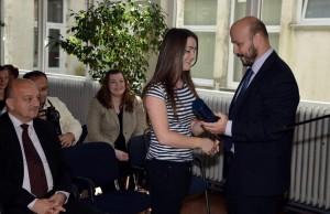 Ministar poduzetništva i obrta Gordan Maras uručio je uvjerenja o pomoćničkim ispitima učenicima u Industrijsko-obrtničkoj školi Sisak
