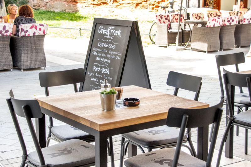 Od ponedjeljka se otvaraju terase kafića