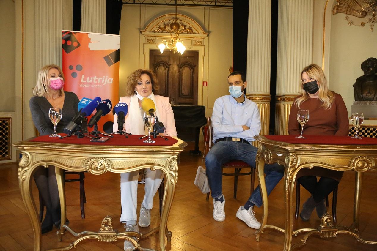 """""""Licitirajte"""" za poznate osobe – prihod ide za pomoć petrinjskoj bolnici"""