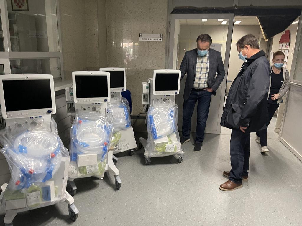 Donacija respiratora sisačkoj bolnici