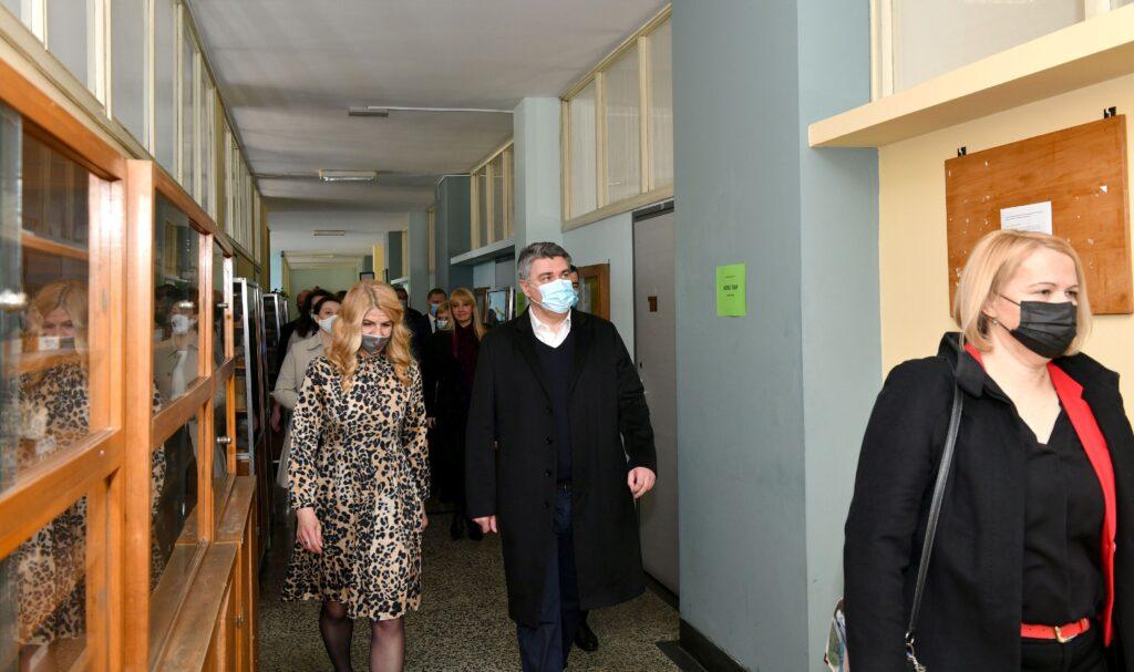 Predsjednik Milanović posjetio Sisak i Petrinju i svim građankama Hrvatske čestitao Dan žena